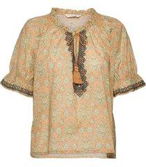 isabelle short sleeve blouse blouses short-sleeved oranje odd molly