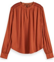 158921 top with smocking details and ruffle