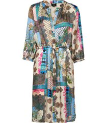 3370 - zihia dress v jurk knielengte multi/patroon sand