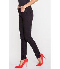 czarne jeansy z wąską nogawką adele