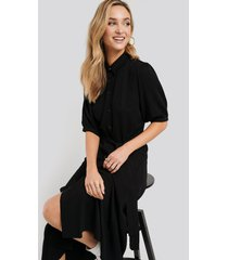 na-kd puff sleeve belted midi dress - black