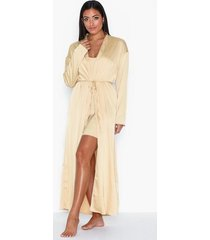 nly lingerie enchanting night robe morgonrockar