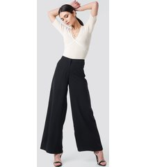 na-kd trend extreme palazzo pants - black