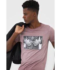 camiseta rock&soda estampada bordô