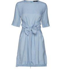 embla sheer crepe korte jurk blauw j. lindeberg