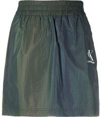 calvin klein jeans iridescent logo-print mini skirt - green