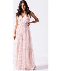mili długa suknia ze zdobieniami