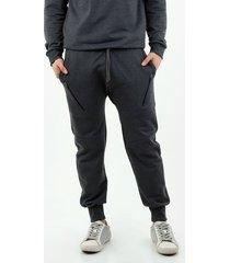 pantalón de hombre, silueta amplia tipo jogger, con cordones ajustables, color negro