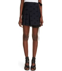 women's chloe medallion eyelet pleated wrap skirt, size 4 us - black
