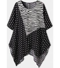 camicetta asimmetrica da donna a maniche corte con scollo a pois con stampa leopardata