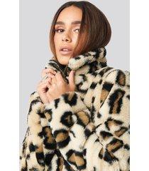 rut&circle nova short faux fur jacket - beige