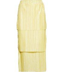 meja pleated skirt knälång kjol gul gina tricot