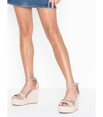 nly shoes wedge heel sandal wedge