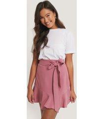 na-kd kjol med knytning i midjan - pink