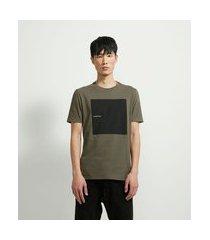 camiseta manga curta com estampa hope begins in the dark | request | cinza | m
