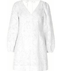 anai dress in bright white