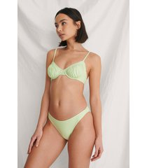curated styles högt skuren återvunnen bikinitrosa - green
