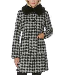 laundry by shelli segal faux-fur-collar gingham walker coat