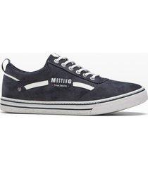 sneakers från mustang