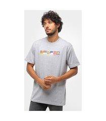 camiseta lakai x chocolate flags masculina