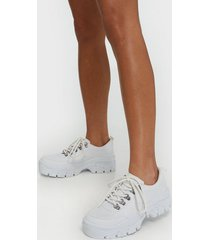 nly shoes cheeky sneaker low top vit