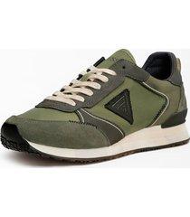 buty do biegania z trójkątnym logo model new glorym