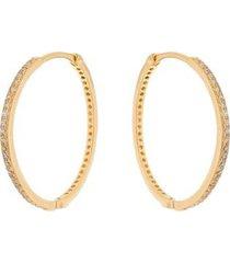 brinco argola fina cravejada em zircônias brancas folheada a ouro 18k - feminino
