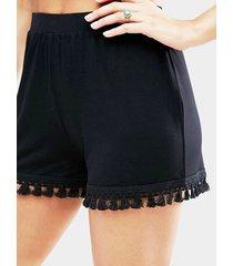 shorts negros simples con dobladillo con borlas