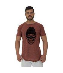 camiseta longline alto conceito caveira óculos escuro e touca nuno marrom