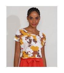 camiseta feminina estampada floral manga curta decote redondo multicor