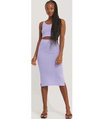 na-kd ribbad kjol med slits - purple