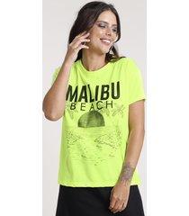 "blusa feminina ""malibu beach"" ampla manga curta decote redondo amarela neon"