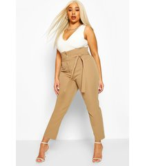 plus getailleerde strakke broek met hoge taille en ceintuur, camel