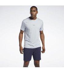 sport bh reebok sport les mills® knit short sleeve t-shirt