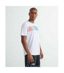 camiseta esportiva com estampa degradê | get over | branco | m