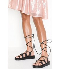 nly shoes perfect toe loop sandal sandaler