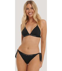 tommy hilfiger cheeky bikiniunderdel med knytning i sidan - black