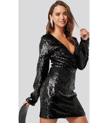 na-kd party overlap heavy sequin mini dress - black