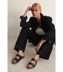 na-kd shoes slippers med spänne - black