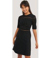 na-kd trend short sleeve knitted midi dress - black