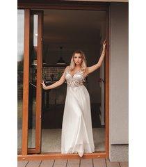 suknia ślubna z haftem luneville // catrice