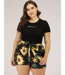plus talla negro cinturón diseño shorts con estampado floral