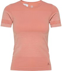 elevate move'on tee w t-shirts & tops short-sleeved rosa salomon