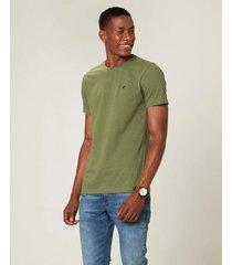 camiseta slim em malha botonê com bordado malwee verde musgo - g