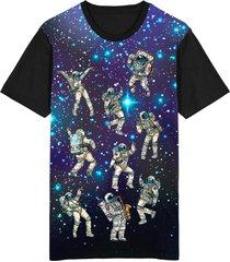 camiseta tshirt migian galáxia espaço astronauta sublimada roxa roxo
