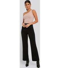 na-kd trend flared suit pants - black