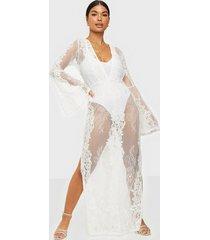 missguided premium lace plunge maxi dress maxiklänningar