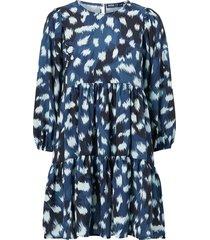 klänning w. casual frill dress