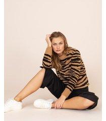suéter estampado cebra