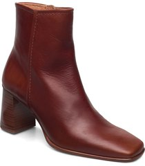 stb-agata l shoes boots ankle boots ankle boot - heel brun shoe the bear